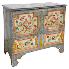 Amercian New England Painted Pine Lift-Top Blanket Chest