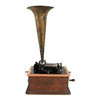 American Thomas A. Edison Oak Suitcase Home Phonograph