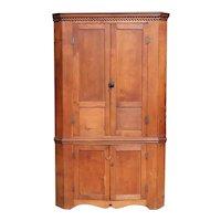 American Chippendale Style Pennsylvania/Ohio Panelled Walnut Corner Cabinet