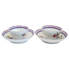 Pair Chinese Export Qianlong Porcelain Floral Tea Bowls and Saucers