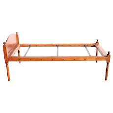 American New England Shaker Style Maple Hired Man's Single Rope Bed