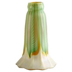 American Quezal Art Nouveau Glass Green Pulled Feather Lamp Shade