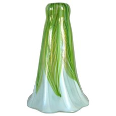American Tiffany Studios Favrile Glass Green Pulled Feather Lily Lamp Shade