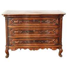 French Provincial Carved Oak Commode / Chest of Drawers