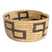 Vintage Native American Pima / Papago Round Coiled Basket Bowl