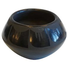 Small Native American Matte on Glossy Blackware Pottery Bowl