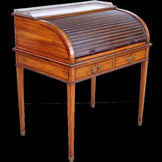 English Edwardian Sheraton Style Hampton and Sons Inlaid Satinwood Writing Desk