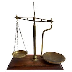 English W & T Avery Brass and Wood Balance Beam Shop Counter Scale