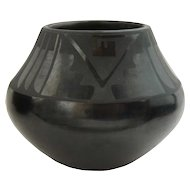 Native American MARIA & JULIAN MARTINEZ Blackware Pottery Olla