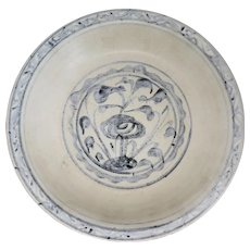 Large Chinese Export Ming Blue and White Pottery Shipwreck Plate