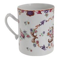 Large Chinese Export Qianlong Famille Rose Porcelain Floral Mug / Coffee Can