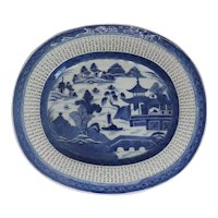 Chinese Export Canton Porcelain Blue and White Reticulated Oval Platter