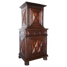 French Louis XIII Walnut Homme Debout Cabinet