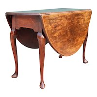 English Queen Anne Mahogany Oval Drop-Leaf Gateleg Table