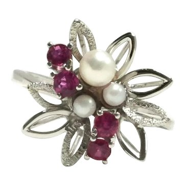 14K White Gold Handmade Ruby & Pearl Flower Ring