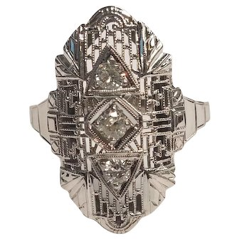 Vintage 18K White Gold 3 Round Diamond Ring With Filigree Design