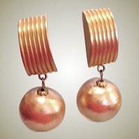 SALE *** Vintage Dangle Drop Gold Tone Earrings - Clip-on Earrings