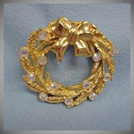 Vintage Gold Tone Wreath Brooch