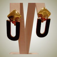Black and Gold Tone  Dangle Drop CLIP ON Earrings