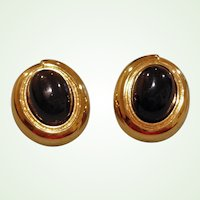 Black Cabochon and Gold Tone CLIP ON Earrings