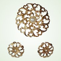 40% 0ff Sale - Vintage Faux Pearl Brooch and Earrings Set