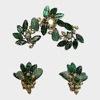 JUDY LEE Demi Parure - Vintage GREEN Rhinestone Brooch and Earrings Set