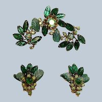 Sale - Vintage JUDY LEE Demi Parure - GREEN Rhinestone Brooch and Earrings Set