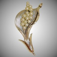 Vintage Crown TRIFARI Brooch -  Faux Pearls and Silver Trifari  Pin