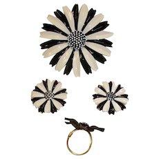 TRIFARI Black & White Daisy Parure - Vintage MOD Brooch Earrings and Ring Set