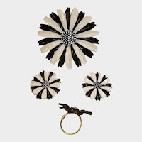 Vintage TRIFARI Black & White Daisy Parure - MOD Brooch Earrings and Ring Set