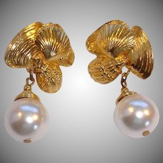 Vintage Earrings - Gold Tone Sea Shell and Faux Pearl Clip-On  Dangle Drop Earrings