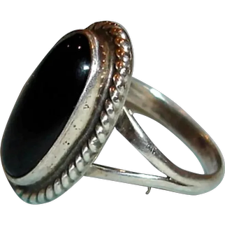 Vintage Navajo Nakai ONYX Sterling Silver Ring - Native American Ring - Size 3.75