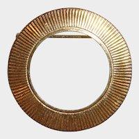 Vintage Traditional Gold tone Circle Pin Brooch