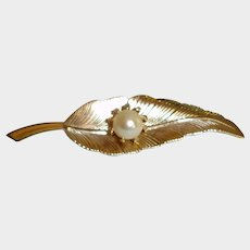 Vintage Cultured Pearl and Gold Tone Leaf Brooch Pin