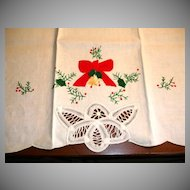 Christmas Tea Towel Excellent Unused Vintage - 100% Cotton Textiles
