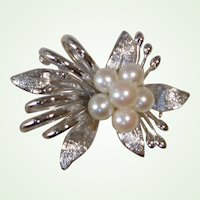 Vintage Premier Victor's of Tokyo - Akoya Cultured Pearl Brooch - Pin