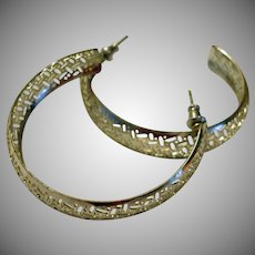 Vintage Silver Tone LARGE & LIGHT Pierced Hoop Earrings