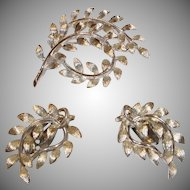 Vintage Lisner Demi Parure – Brooch and Earring Set