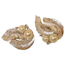 Vintage Sarah Coventry Faux Pearl  CLIP-ON Earrings - Silvery Splendor Line - Sarah Cov Earrings