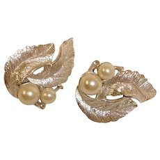 Vintage Sarah Coventry Faux Pearl Silvery Splendor Earrings
