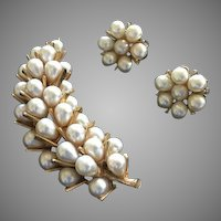 Vintage signed ART - Arthur Pepper Faux Pearl Cluster Brooch w/ Matching Earrings