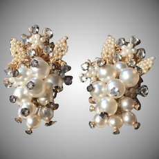 Vintage Floral Grape Cluster Gold Tone Filigree Faux Pearl Rhinestone Earrings