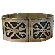 Early Mexican Sterling Silver Panel Bracelet with Niello Aztec or Pre Columbian Design
