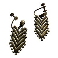 RARE Hector Aguilar Taxco 940 Silver Beaded Chevron Dangle Earrings c 1940s