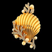 Vintage Philippe TRIFARI Under the Sea Seashell Figural Rhinestone Pearl Brooch Pin