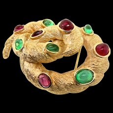 Vintage TRIFARI Jewels of India Moghul Knot Swirl Emerald Ruby Cabochon Brooch Pin