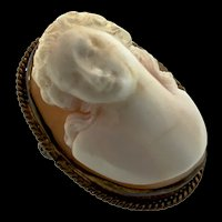Vintage 19th Century Neo-Classical Full Xtra High Relief Shell CAMEO Pin Brooch