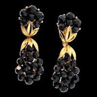 Vintage TRIFARI Black Glass Briolette Goldplated Dangle Clip EARRINGS