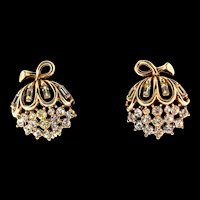 Vintage TRIFARI Goldplated Rhinestone Willow Flower Clip EARRINGS