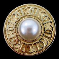 Vintage CHRISTIAN DIOR Logo Fx Pearl Goldtone Brooch Pin